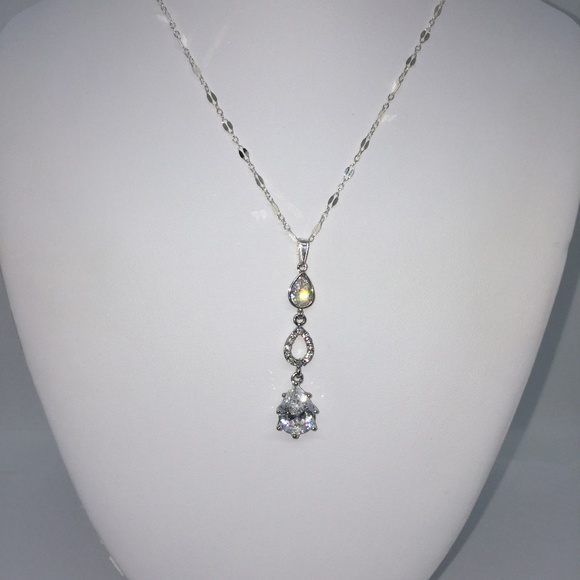 Jewelry - Sterling Silver Crystal Pendant Necklace